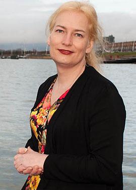 Nienke Wuring